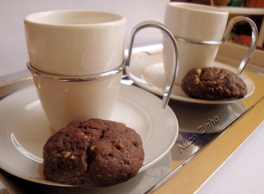Cookies de alfarroba e pistache