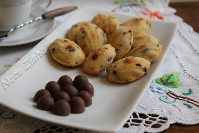 Madeleine de chocolate com menta