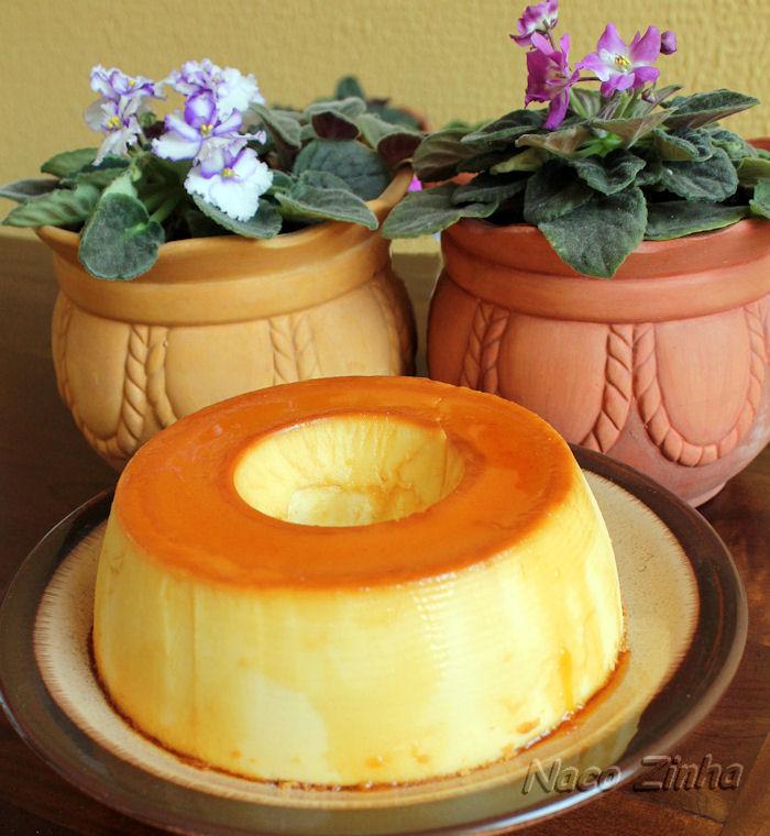 Pudim de queijo com iogurte