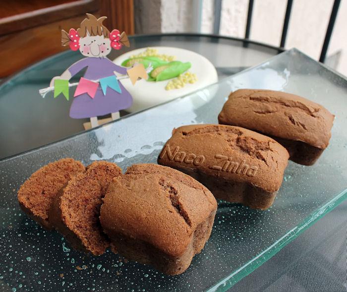 Bolinhos de fubá com chocolate