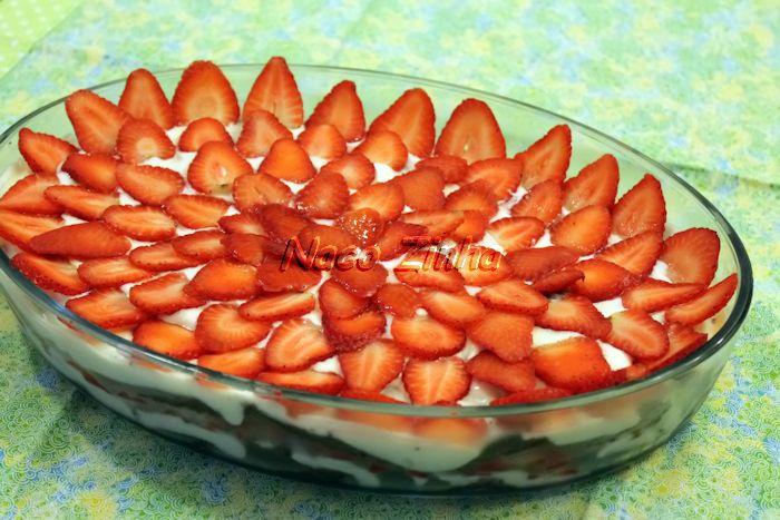 Pavê de chocolate com morango