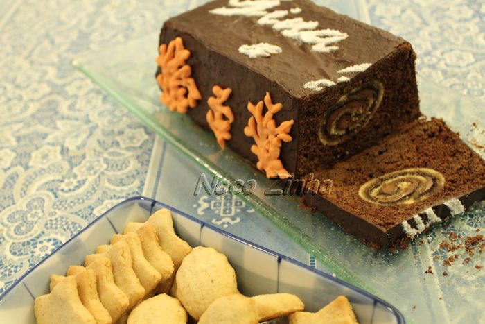 Bolo de chocolate com rocambole