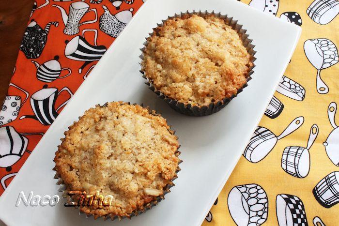 Muffin com farofa de amêndoas