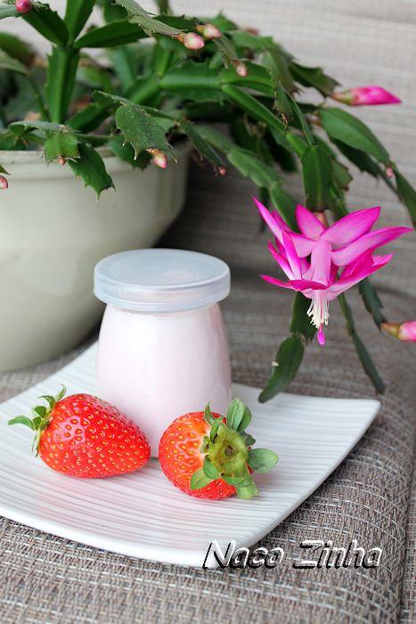 Iogurte grego de morango