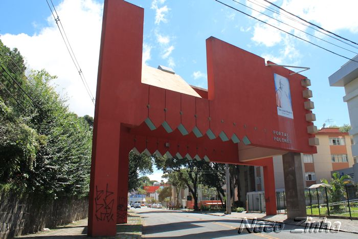 Portal polonês em Curitiba