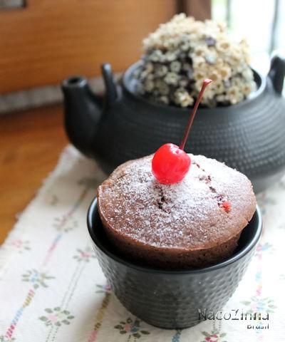 Muffin de cacau e cereja