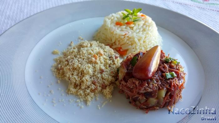 Carne seca com pinhão