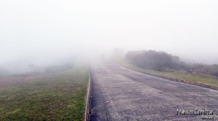 Urubici - Morro da Igreja com intenso nevoeiro